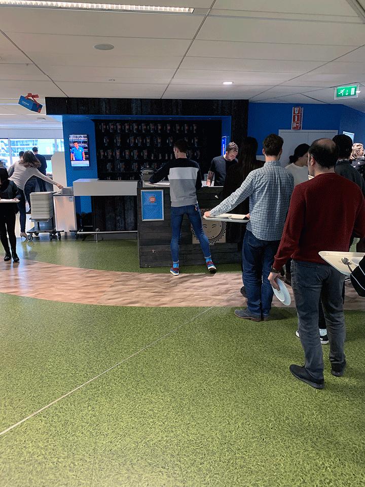 coolblue-zakelijke-lunch-op-hoofdkantoor4